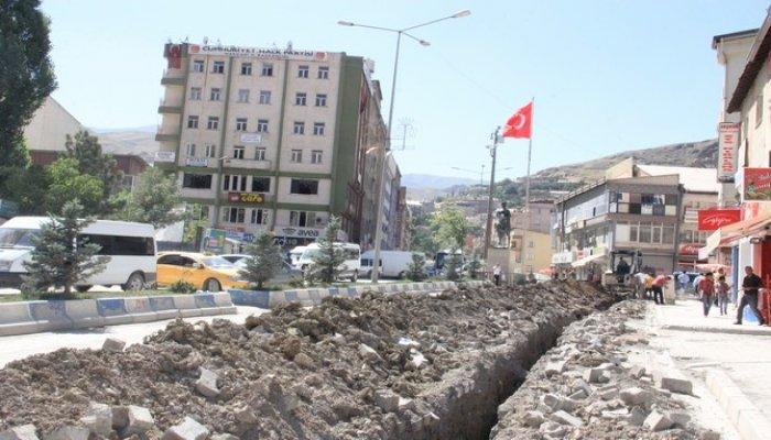 Tozlu, çukurlu bir şehir yeniden ihya ediliyor!