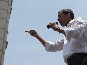 Guaido bu kez de genel grev çağrısında bulundu