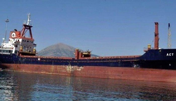 Yunanistan, Türk gemisine ateş açtı
