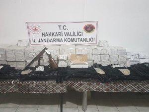 Şemdinli'de çok sayıda av tüfeği ve tıbbi malzeme ele geçirildi