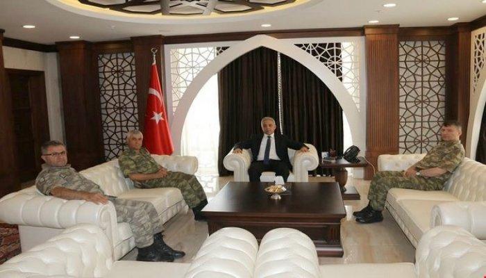 Korgeneral Çetin Hakkari'de ziyaretlerde bulundu!