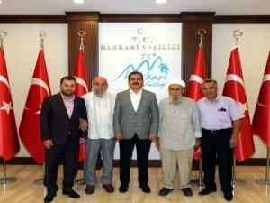 Şehit Kaymakamın babası Safitürk'ten Vali Akbıyık'a ziyaret