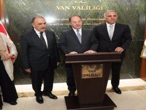 """Bakan Akdağ; """" Van'bölgenin sağlık merkezi konumunda."""""""