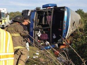 Tur otobüsü devrildi: 9 ölü, 25 yaralı
