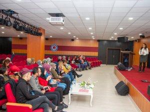 """Hakkari Üniversitesinde """"Disleksi"""" Farkındalık Semineri Düzenlendi"""