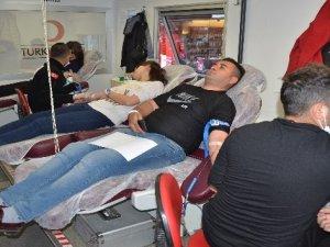 Hakkari'de kan bağışı kampanyası