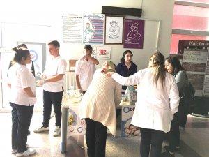 Hakkari Devlet Hastanesinde Diyabet Bilgilendirme Standı Kuruldu