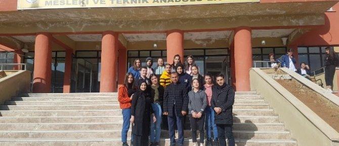 Hakkarili öğrenciler Türkiye birincisi oldu