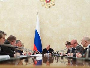 Rusya'da 65 yaş üstü vekiller evden çalışacak