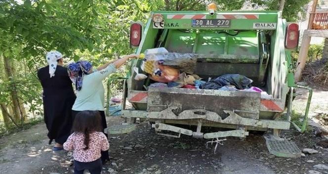 Çukurca Belediyesi köylerden de çöp toplamaya başladı