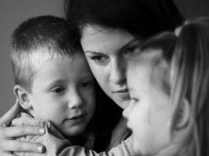 Evdeki tartışmalar çocuğu olumsuz etkiliyor