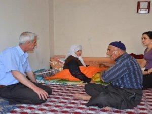 Müdür Bildirici'den Yüksekova'daki ailelere ziyaret