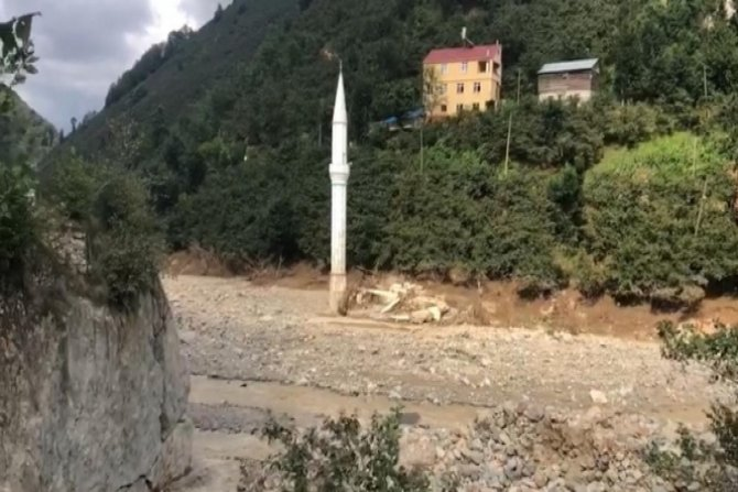 Selden geriye sadece minare kaldı
