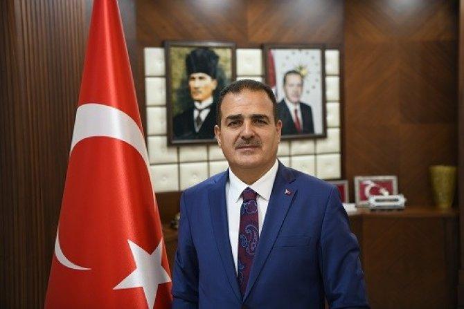Vali Akbıyık' tan gazeteciler günü mesajı