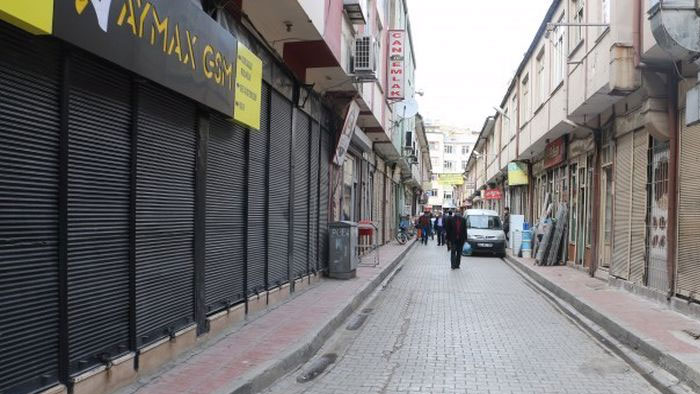 CHP'nin Van raporu: 800 esnaf sicil kaydını sildi