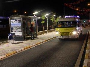 Van'da otobüs durakları ışıl ışıl