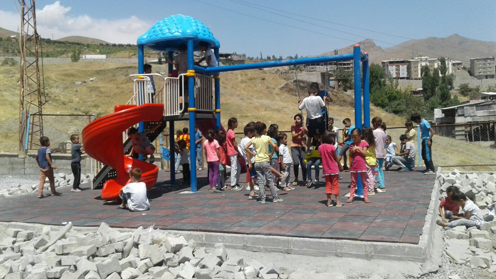 Çocuk Oyun Parkı Çocuklarda Sevinç Yarattı