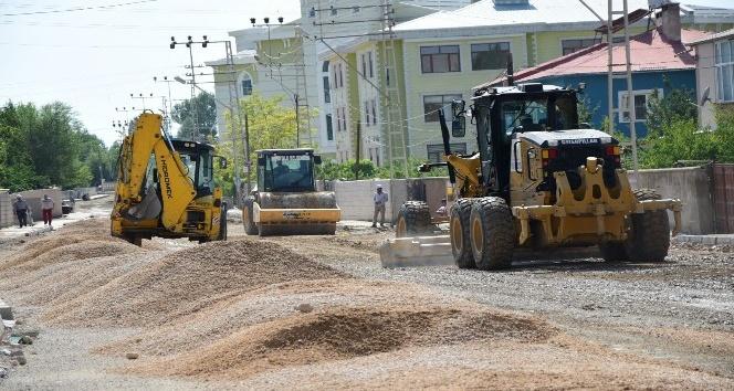 İpekyolu Belediyesinden yol yapım çalışması