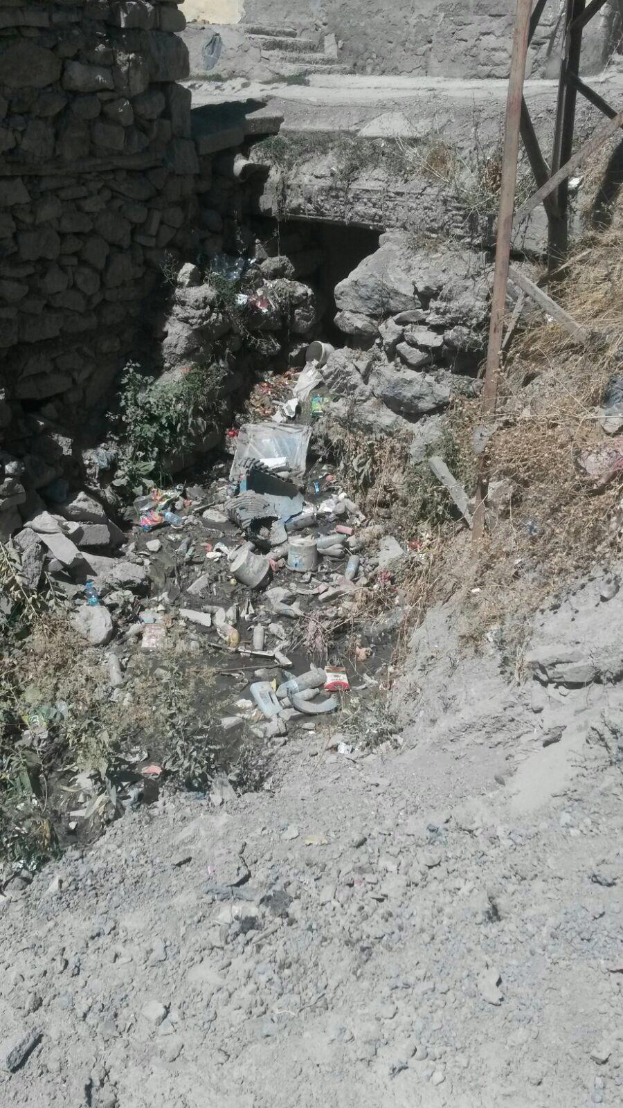 Biçer Mahallesinden Geçen Kanal Çöp Yığınına Döndü