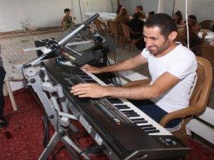 Müzik, görme engelli Musa'yı hayata bağladı