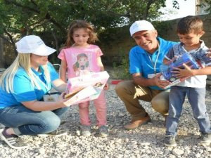 Belediyeden öksüz ve yetim çocuklara anlamlı hediye
