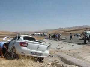 Otomobiller çarpıştı: 7 ölü, 2 yaralı