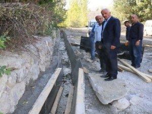 Hakkari'de su ve drenaj kanalları yapılıyor