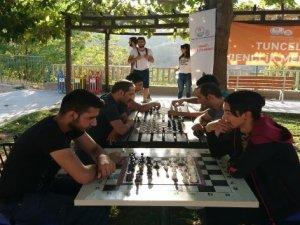"""Tunceli'de """"Sokakta Satranç Var"""" etkinliği"""