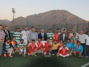 Başbakan danışmanı İnanç, taraftar ve sporcularla buluştu
