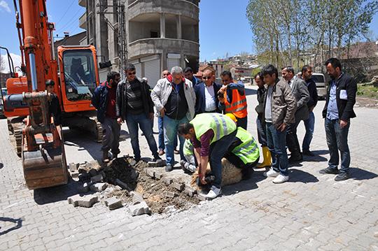 Yüksekova'da Kanalizasyon Çalışmaları Devam Ediyor