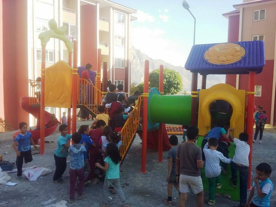 Hakkari Belediyesi'nden Çocuk Oyun Parkı Seferberliği