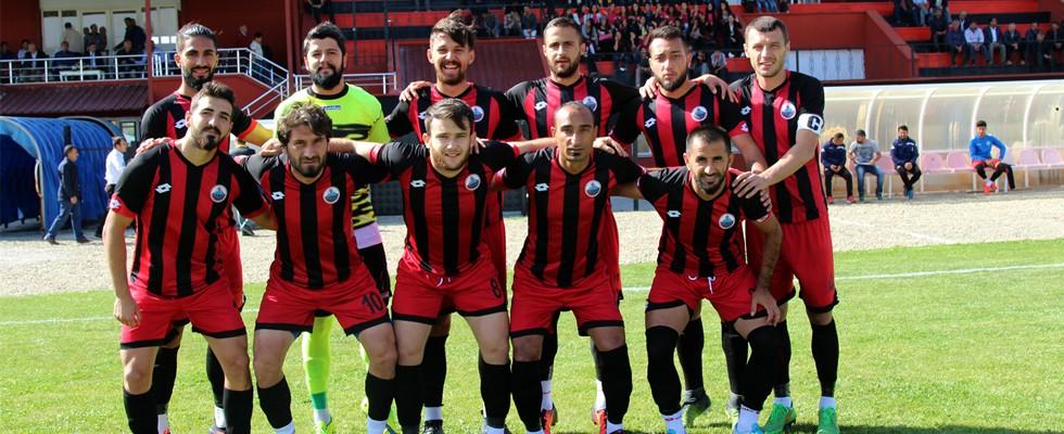 Yüksekova Belediye Spor Tatvan Gençlerbirliği Spor'u 3-0 yendi