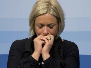 2 Askerin Ölümünde Sorumluluğu Üzerine Alan Hollanda Savunma Bakanı İstifa Etti