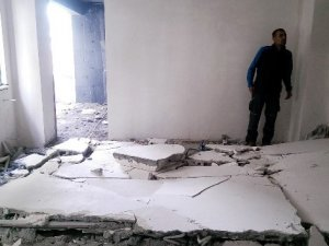 Üzerine duvar devrilen işçi yaralandı