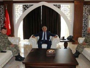 Korgeneral Karataş'tan Vali Toprak'a ziyaret