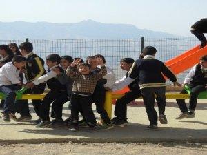 Şırnak Belediyesi okullara oyun grupları kuruyor