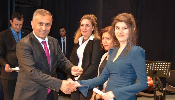 Yüksekova'da fotoğraf sergisi ve sertifika töreni