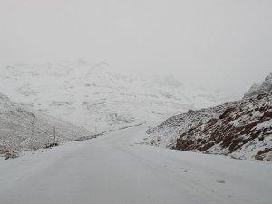 Van- Bahçesaray yolu ulaşıma kapandı
