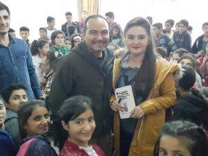 Kişisel gelişim uzmanı İzgören'den köy okulu öğrencilerine ziyaret