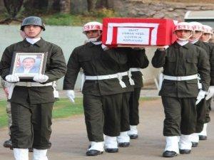 Şemdinli'de korucu şehitler için tören düzenlendi