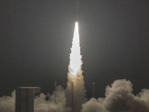 Fas, 'Muhammed VI' uydusunu fırlattı