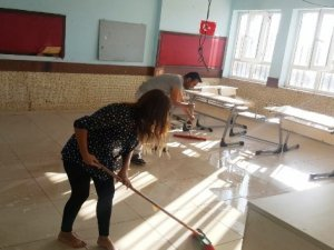 Fedakar öğretmenleri yeni Safitürk'ler yetiştiriyor