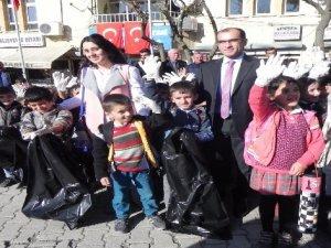 Çukurca'da çöp toplama kampanyası