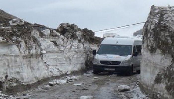 Kar kalınlığı 4 metreyi buluyor