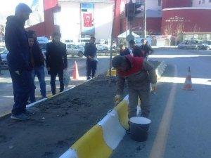 Hakkari'de refüjler boyatıldı