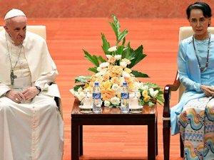 Papa Arakanlı Müslümanlara yapılan zulme değinemedi