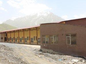 Sebze Hali Binası Kaderine Terk Edildi