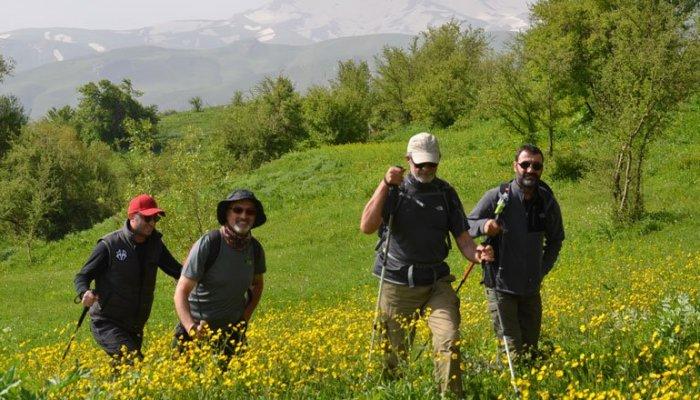 Yüksekova'nın doğa yürüyüşü kulübü kuruldu