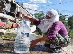 150 haneli köyün su ihtiyacı tankerlerle karşılanıyor.