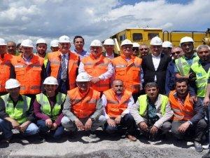 Bakü-Tiflis-Kars demiryolunun Türkiye ayağı haziranda